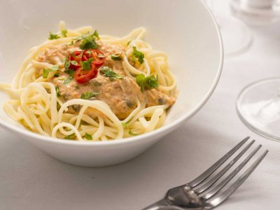 Linguine with Crab and Chili Sauce
